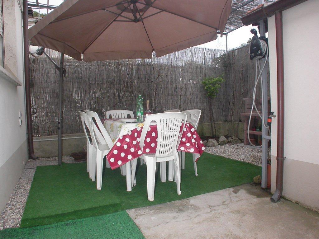 Villa Bifamiliare in vendita a Camaiore, 5 locali, prezzo € 260.000 | Cambio Casa.it