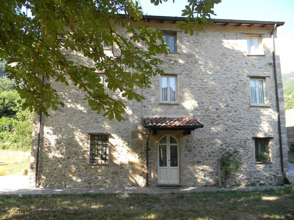 Colonica in vendita - Collina, Camaiore