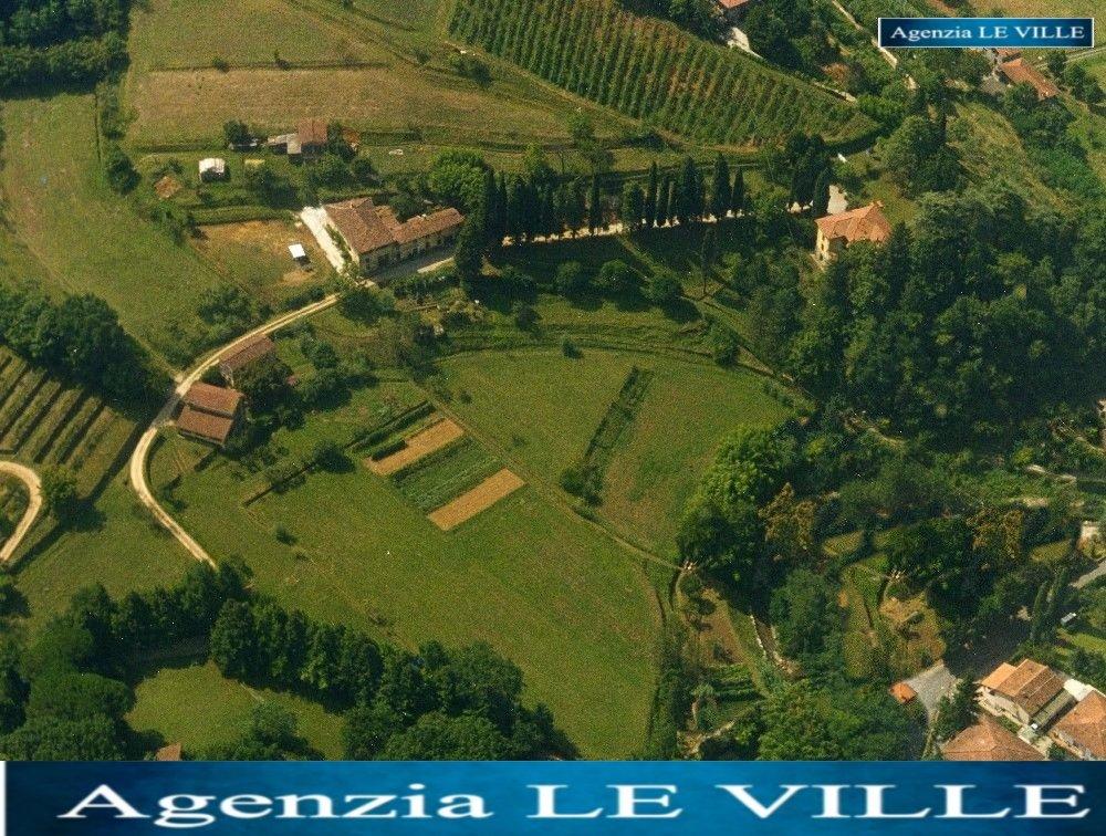 Rustico / Casale in vendita a Camaiore, 22 locali, prezzo € 4.500.000 | CambioCasa.it