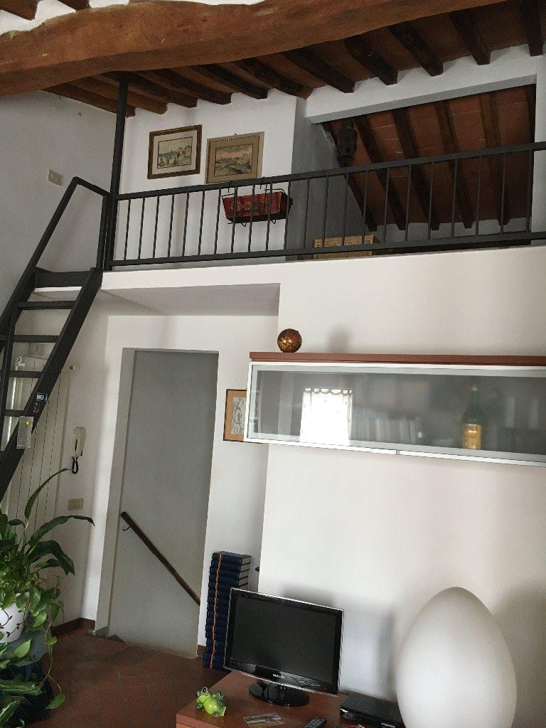 Appartamento in vendita a San Giuliano Terme, 4 locali, prezzo € 140.000 | CambioCasa.it