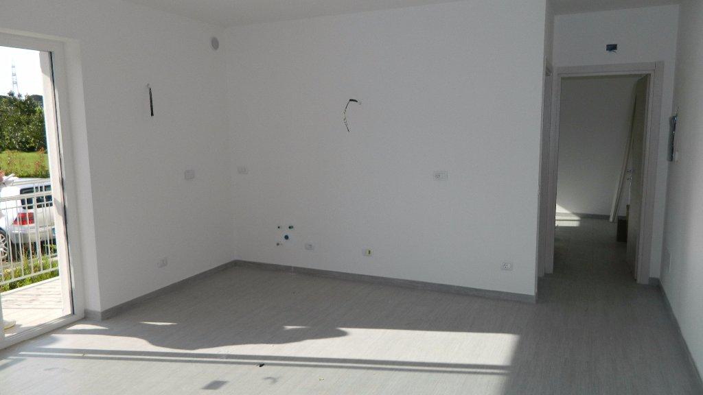 Appartamento in affitto a Santo Stefano di Magra, 2 locali, prezzo € 600 | CambioCasa.it