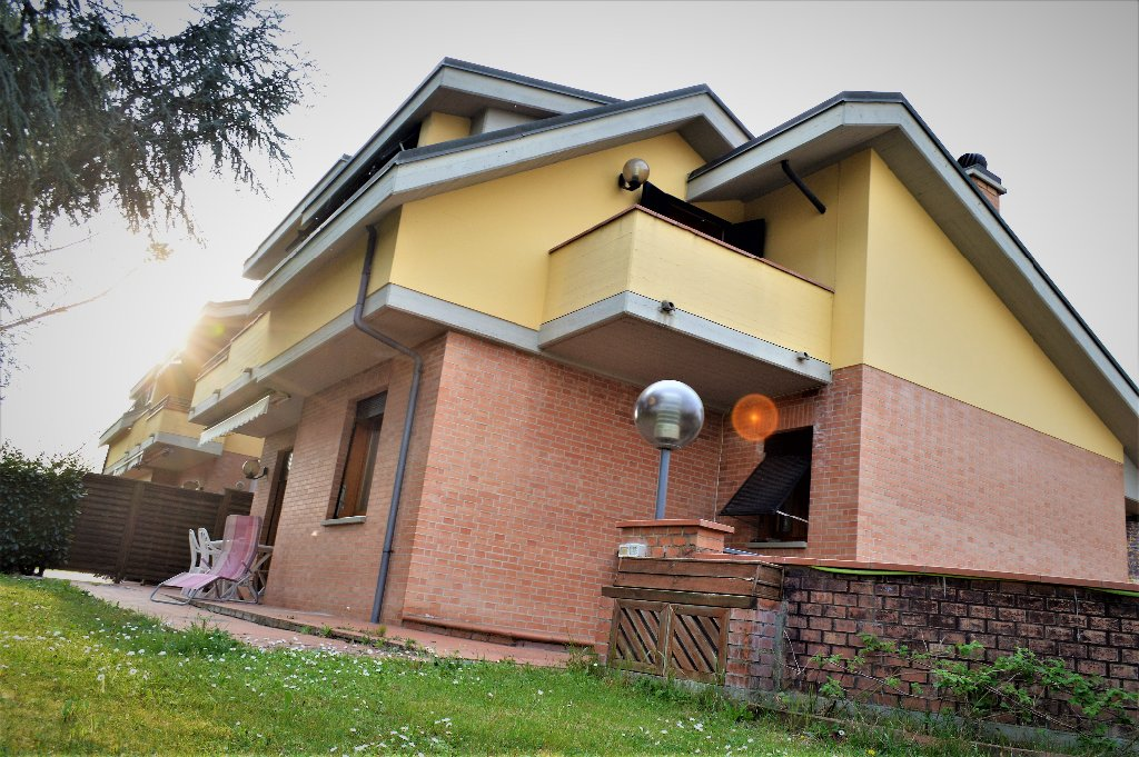 Villetta bifamiliare/Duplex in vendita a Vinci (FI)