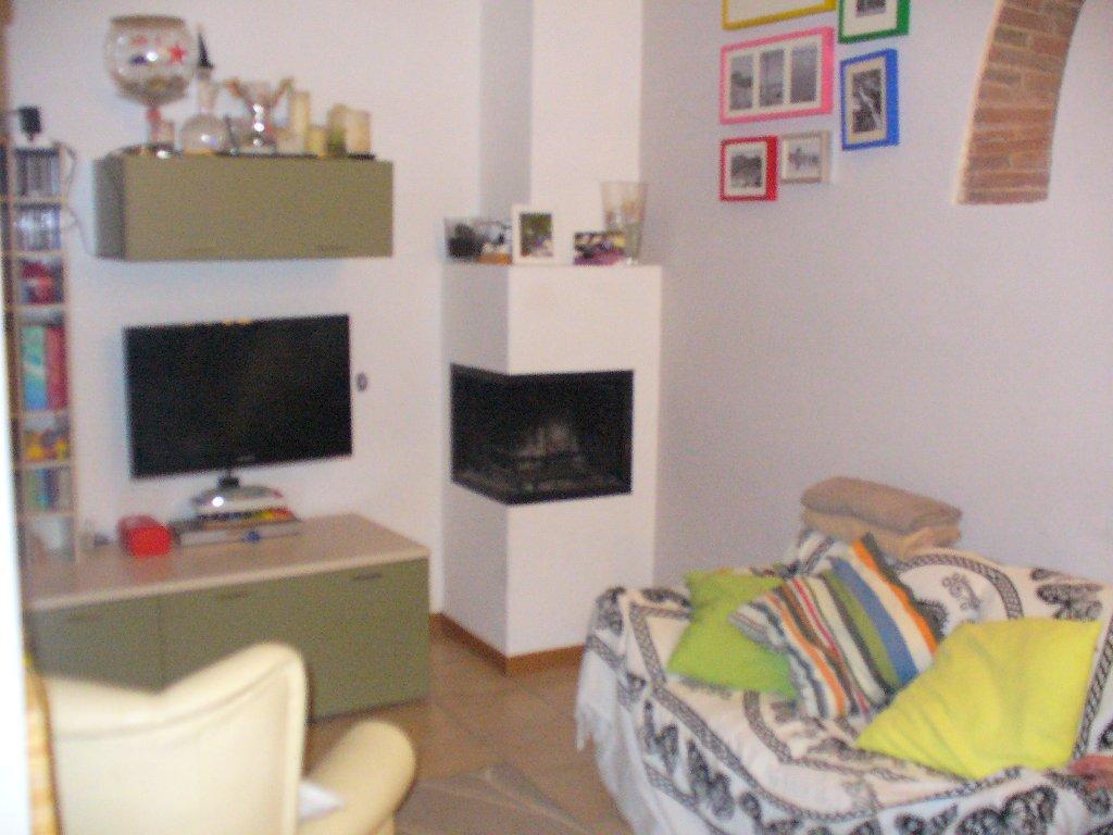 Palazzo / Stabile in vendita a Buti, 5 locali, prezzo € 129.000 | CambioCasa.it