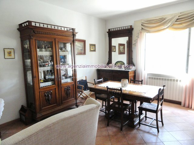 Apartment for holiday rentals in Massa