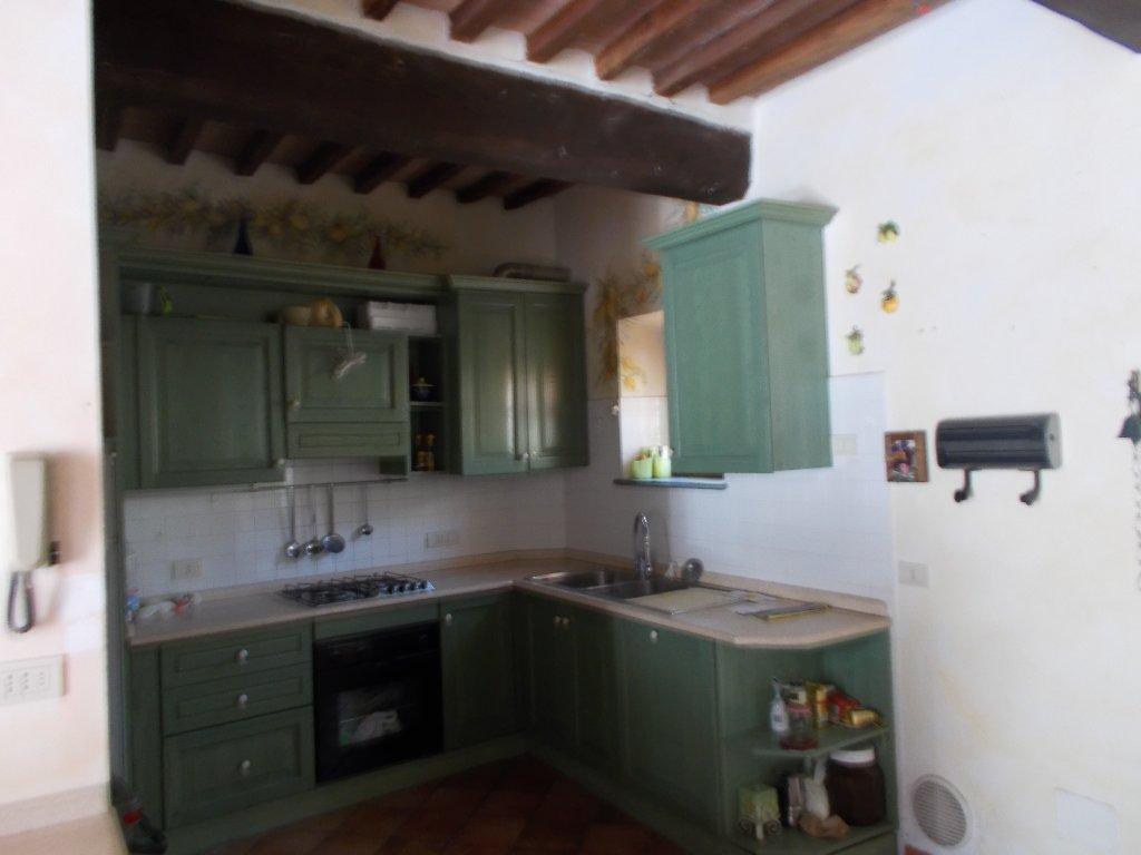 Rustico / Casale in vendita a Fauglia, 5 locali, prezzo € 120.000 | CambioCasa.it