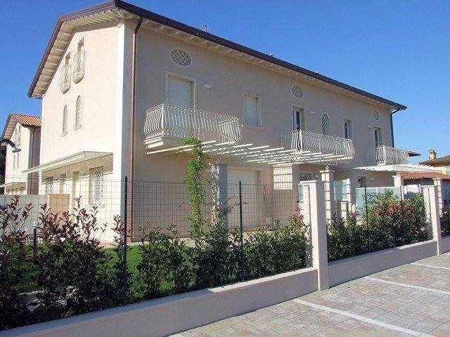 Villetta a schiera in vendita a Ronchi, Massa