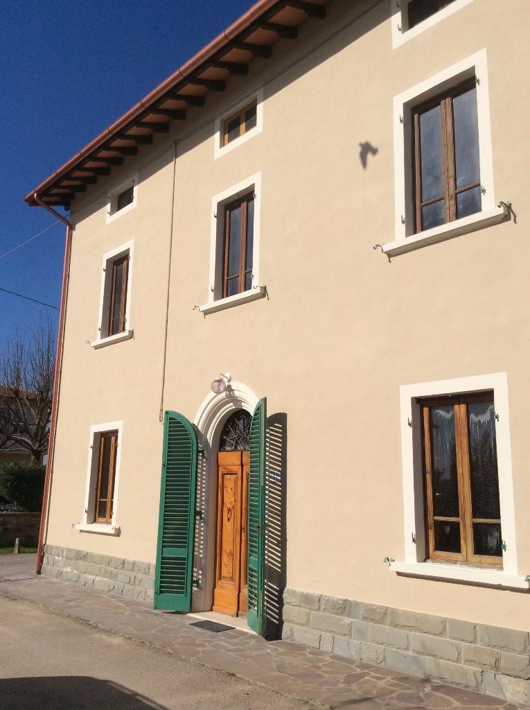 Soluzione Indipendente in vendita a Cerreto Guidi, 9 locali, prezzo € 350.000 | CambioCasa.it