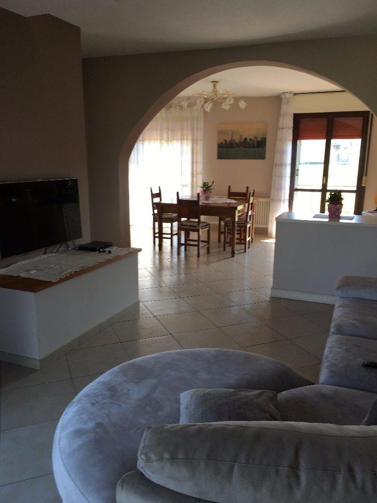 Appartamento in vendita a Cerreto Guidi, 4 locali, prezzo € 200.000 | CambioCasa.it