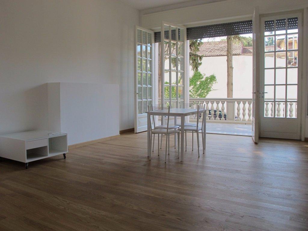Appartamento in affitto, rif. 3784-02
