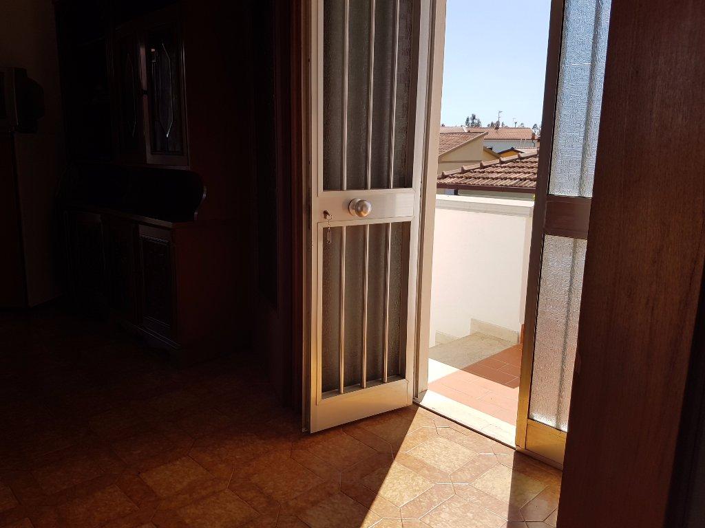Foto 16/18 per rif. vallini mt 2/piano