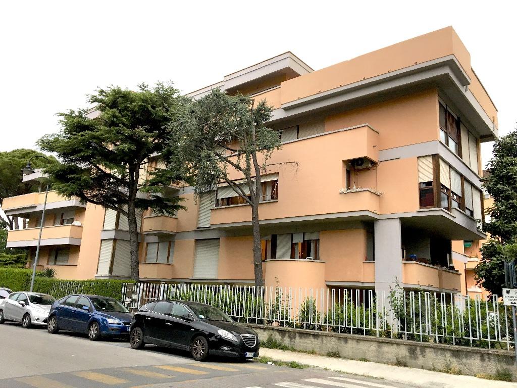 Appartamento in vendita a Pisa, 6 locali, prezzo € 310.000 | CambioCasa.it