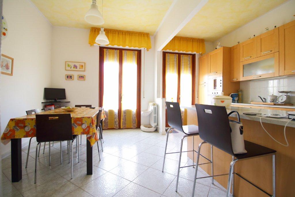 Appartamento in vendita a Castelfranco di Sotto, 5 locali, prezzo € 170.000 | CambioCasa.it