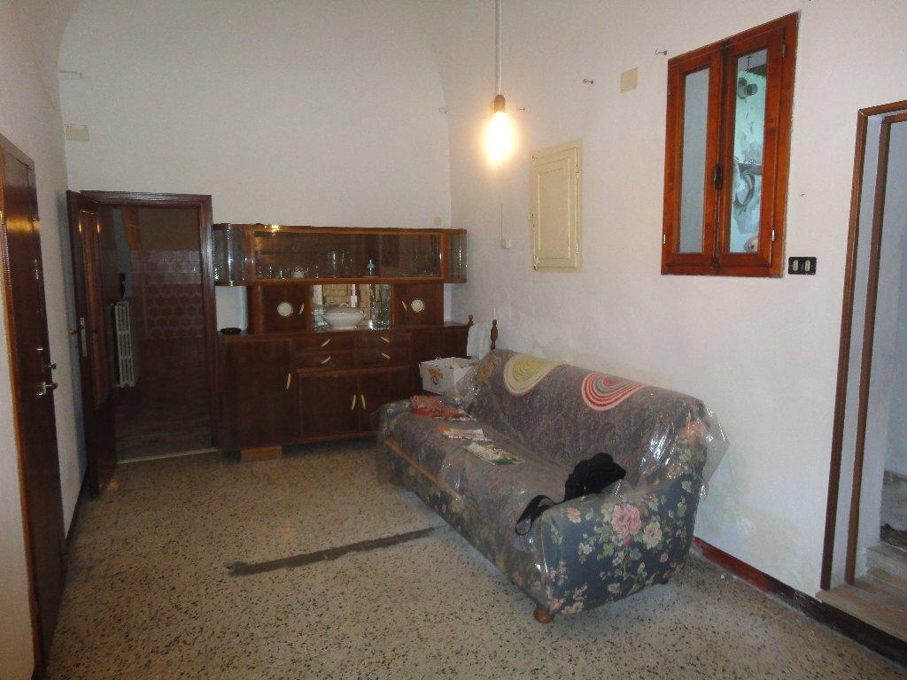 Appartamento in vendita a Peccioli, 5 locali, prezzo € 110.000 | Cambio Casa.it