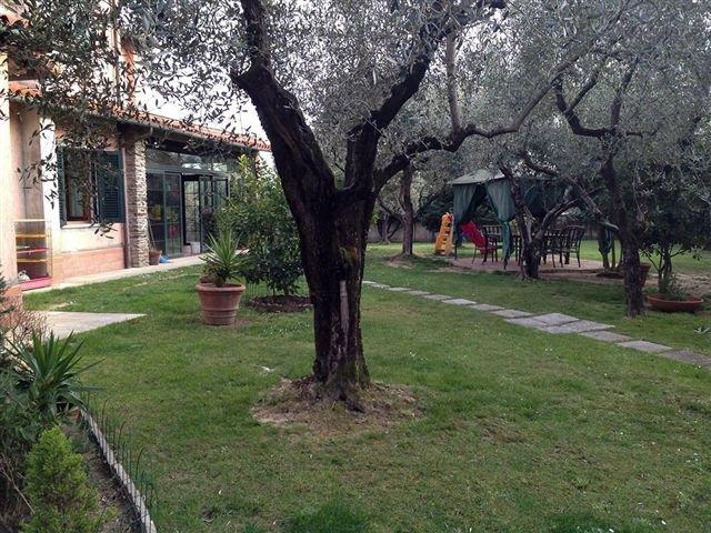 Villa singola in vendita a Caniparola, Fosdinovo (MS)