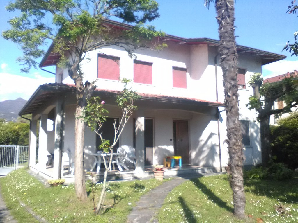 Villetta bifamiliare/Duplex in affitto vacanze a Montignoso (MS)