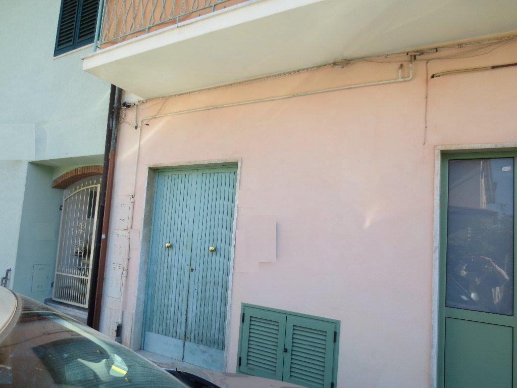 Appartamento in affitto a Carrara, 2 locali, Trattative riservate   Cambio Casa.it