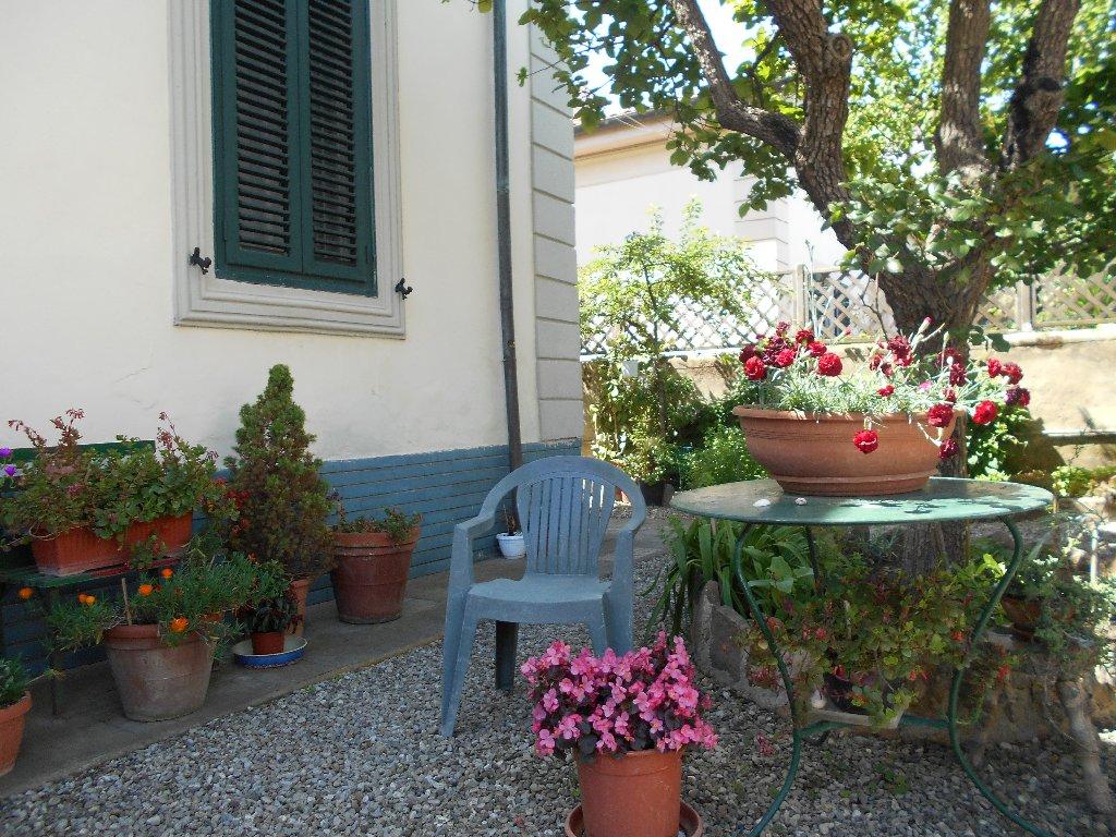 Villa in vendita a Livorno, 6 locali, prezzo € 450.000 | CambioCasa.it