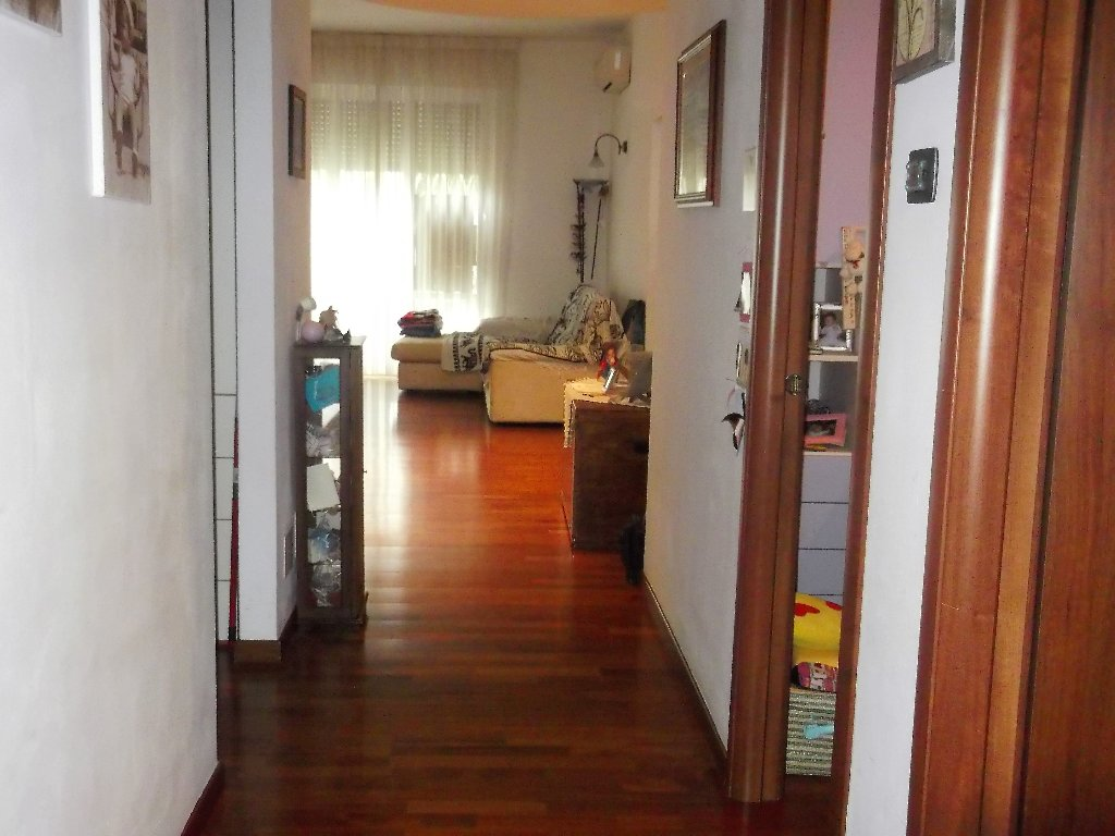 Appartamento in vendita a Livorno, 6 locali, prezzo € 450.000 | CambioCasa.it