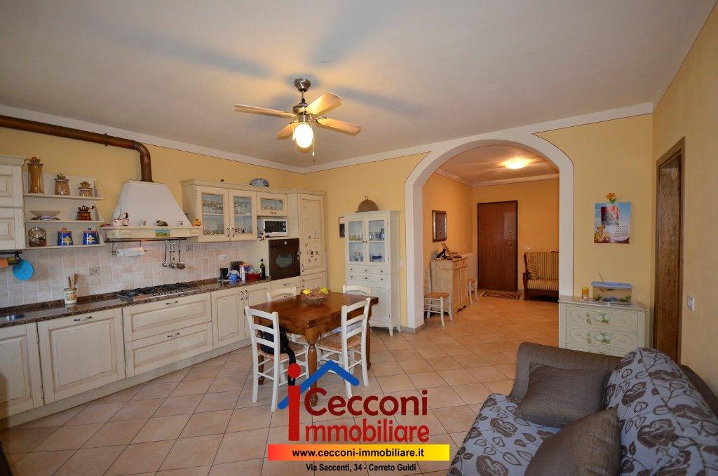 Appartamento in vendita a Cerreto Guidi, 4 locali, prezzo € 160.000 | CambioCasa.it