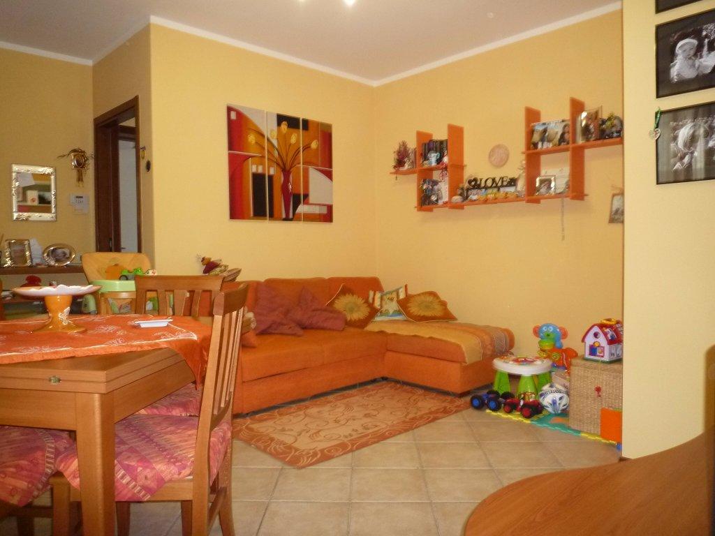 Appartamento in vendita a Santa Maria a Monte, 3 locali, prezzo € 108.000 | CambioCasa.it