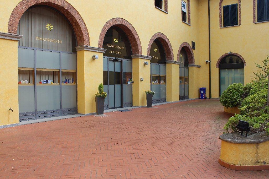 Negozio / Locale in Vendita a Santa Croce sull'Arno