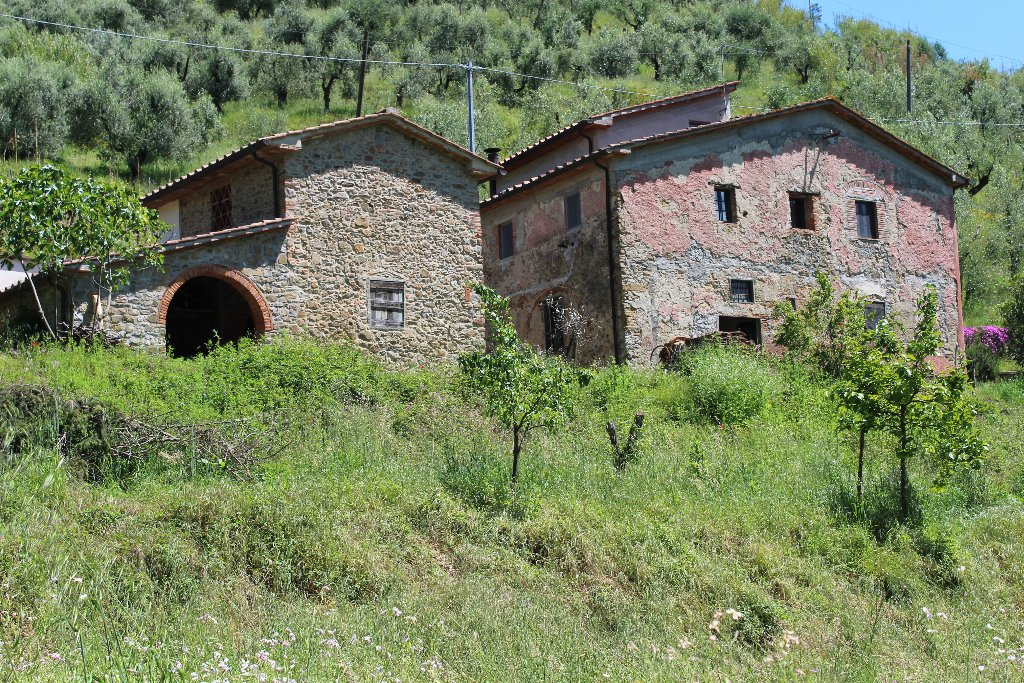 Rustico / Casale in vendita a Pistoia, 11 locali, Trattative riservate   Cambio Casa.it