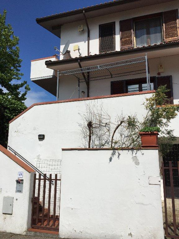 Villa a Schiera in Affitto a San Giuliano Terme