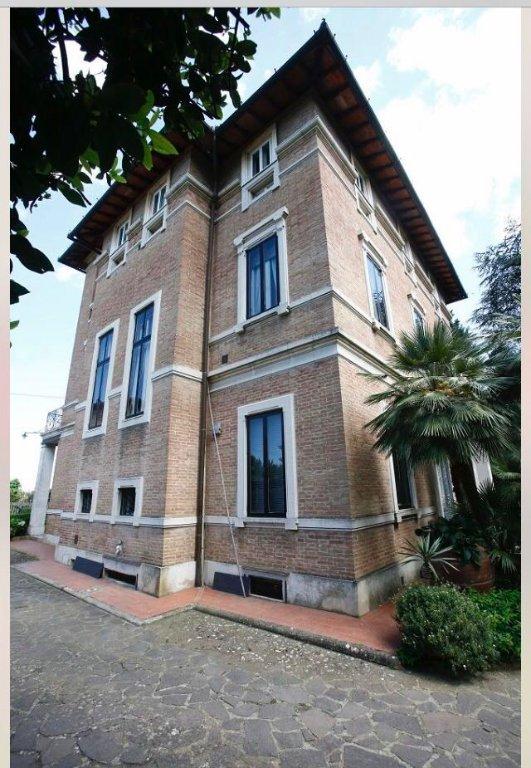 Villa for sale in LaundriesSiena