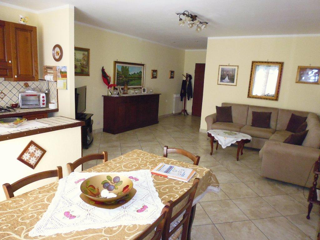 Appartamento in vendita a San Miniato, 4 locali, prezzo € 145.000   CambioCasa.it