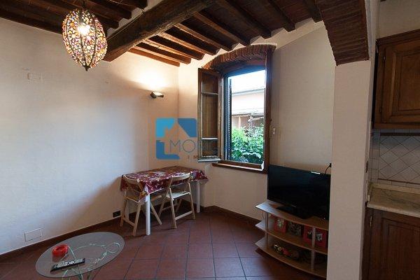 Appartamento in vendita a Pietrasanta, 2 locali, prezzo € 120.000   Cambio Casa.it