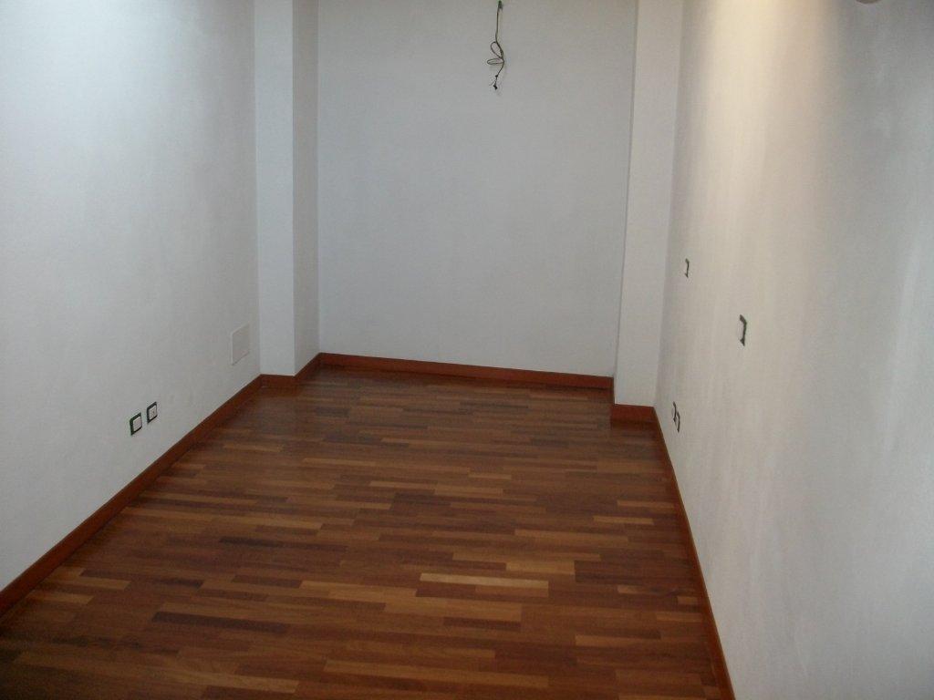 Appartamento in vendita a Montignoso, 3 locali, prezzo € 170.000 | Cambio Casa.it