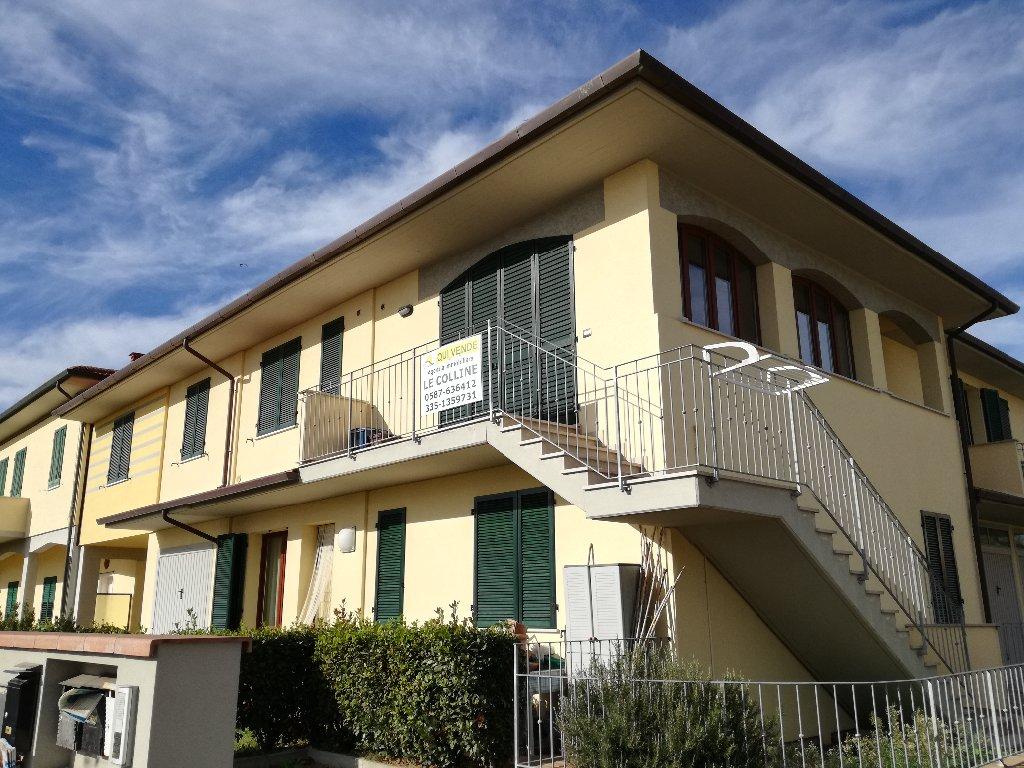 Appartamento in vendita a Capannoli, 4 locali, prezzo € 142.000   CambioCasa.it