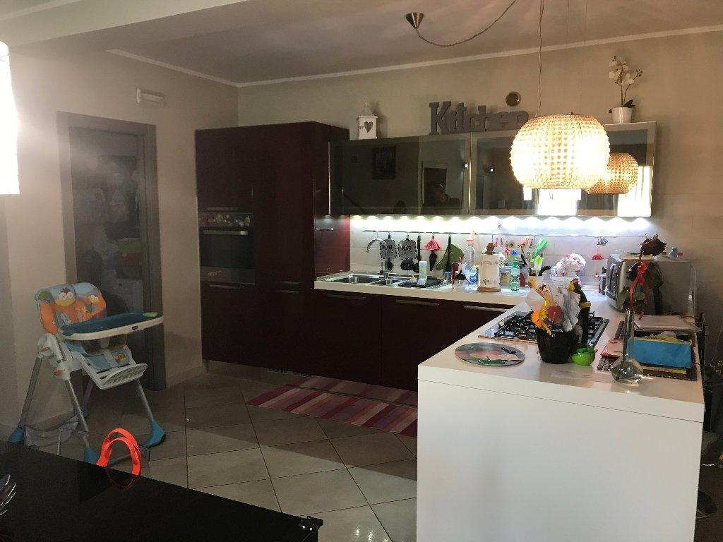 Appartamento in vendita a Calci, 5 locali, prezzo € 205.000 | CambioCasa.it