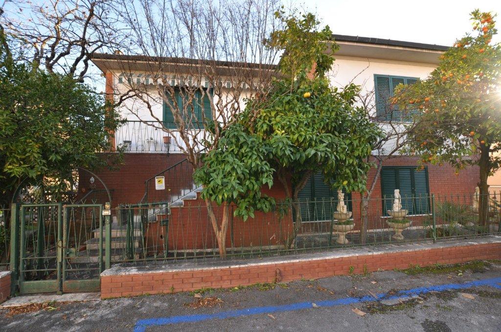 Villa in vendita a Pisa, 11 locali, prezzo € 495.000   CambioCasa.it