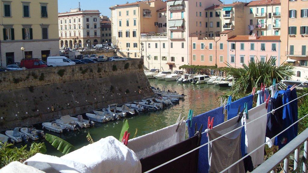 Appartamento in vendita a Livorno, 5 locali, prezzo € 210.000 | CambioCasa.it