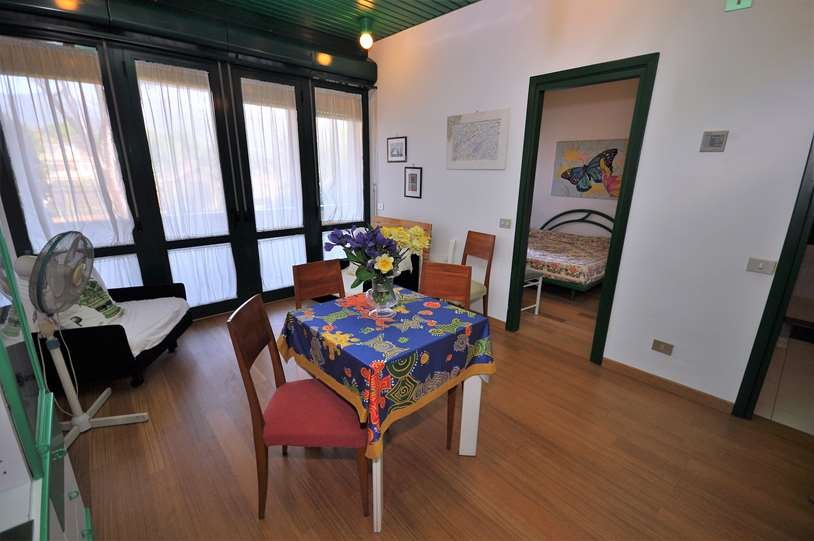 Appartamento in vendita a Montignoso, 2 locali, prezzo € 180.000 | Cambio Casa.it