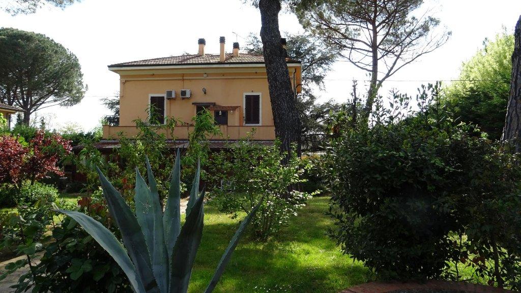 Villa in vendita a Larciano, 12 locali, prezzo € 850.000 | Cambio Casa.it