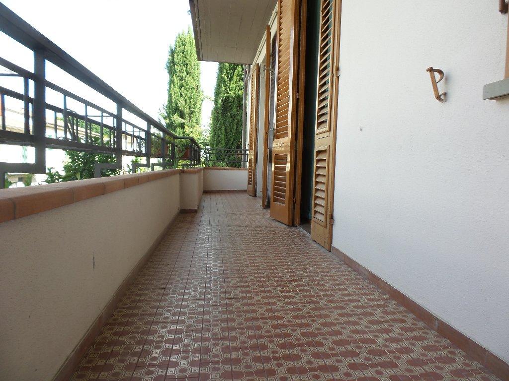 Appartamento in affitto a Empoli, 5 locali, prezzo € 650 | Cambio Casa.it