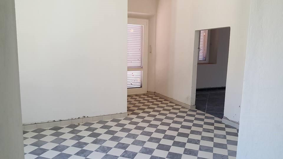 Negozio / Locale in affitto a Calci, 9 locali, prezzo € 400 | Cambio Casa.it