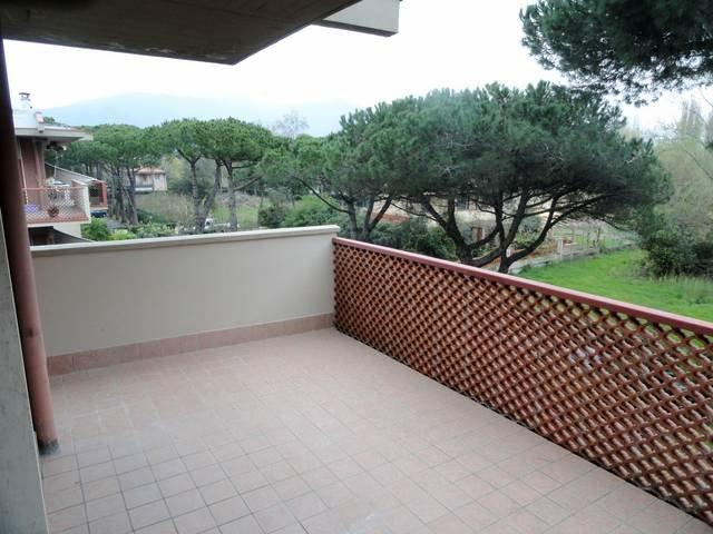 Appartamento in affitto a Massa, 4 locali, prezzo € 5.000 | CambioCasa.it