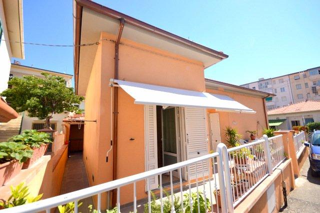 Viareggina in vendita a Rosignano Marittimo (LI)
