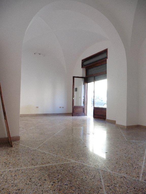 Locale comm.le/Fondo in affitto a Calci (PI)