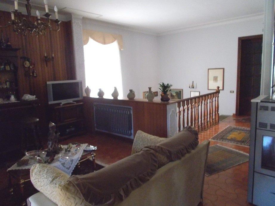 Villa in vendita a Vecchiano, 6 locali, prezzo € 450.000 | Cambio Casa.it