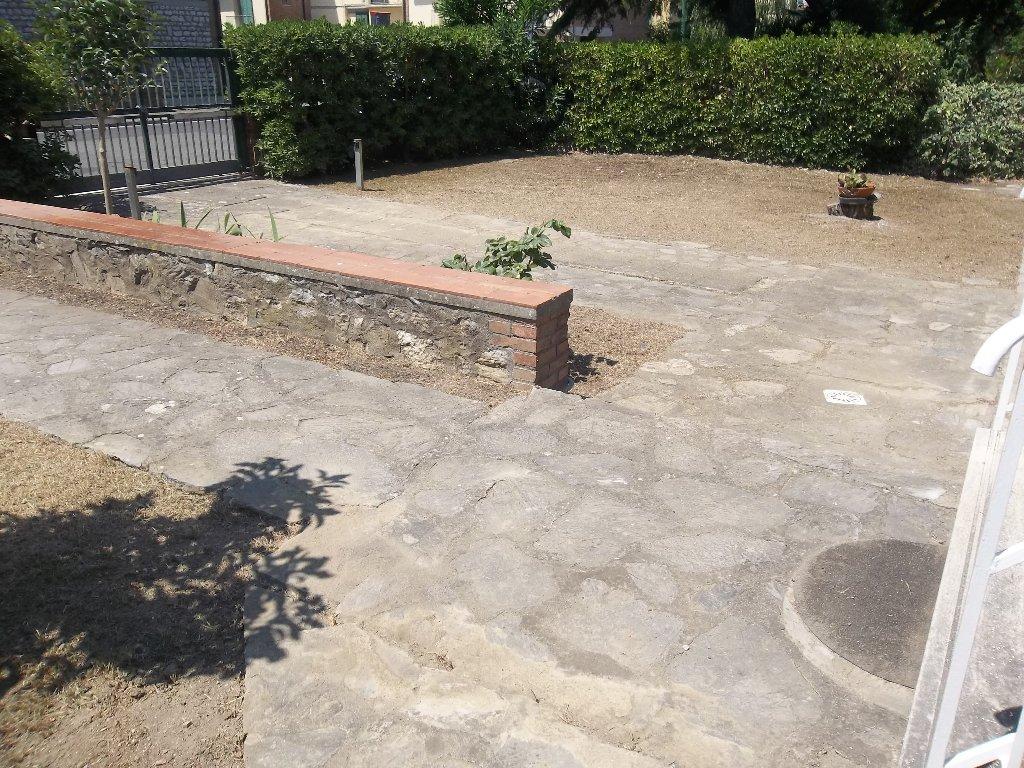 Soluzione Indipendente in vendita a Ponsacco, 6 locali, prezzo € 300.000 | Cambio Casa.it