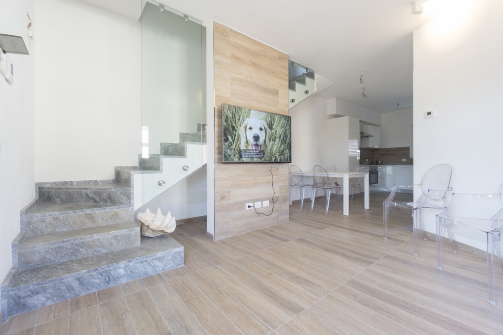 Appartamento in vendita a Montignoso, 3 locali, prezzo € 430.000 | Cambio Casa.it