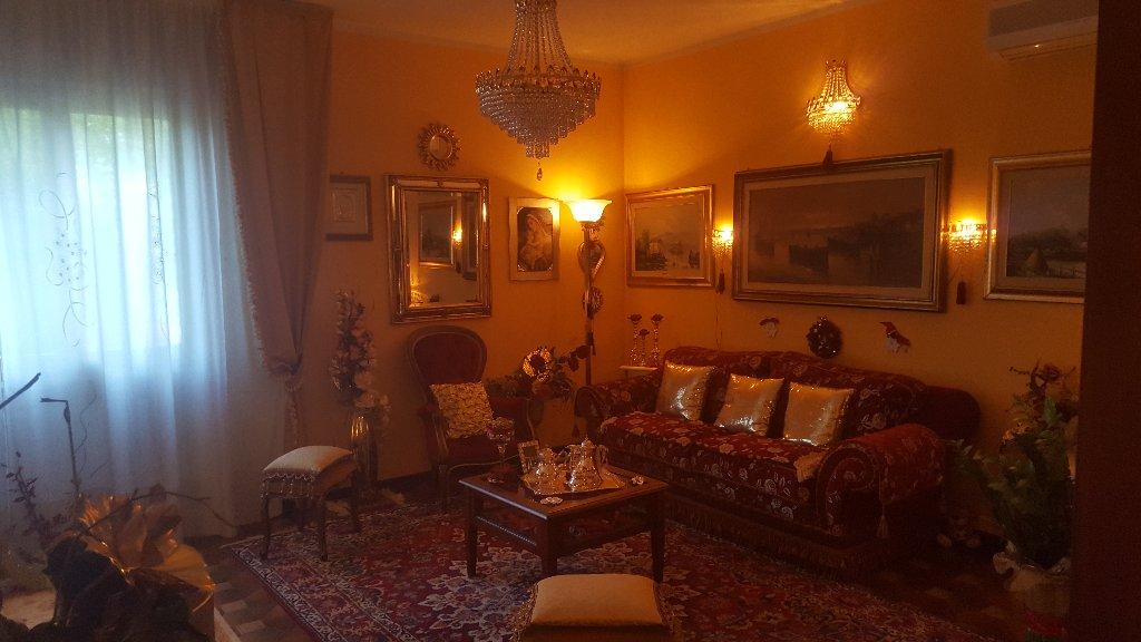 Appartamento in vendita a Fucecchio, 5 locali, prezzo € 135.000 | CambioCasa.it