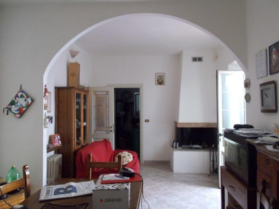 Soluzione Indipendente in vendita a San Giuliano Terme, 5 locali, prezzo € 155.000 | Cambio Casa.it