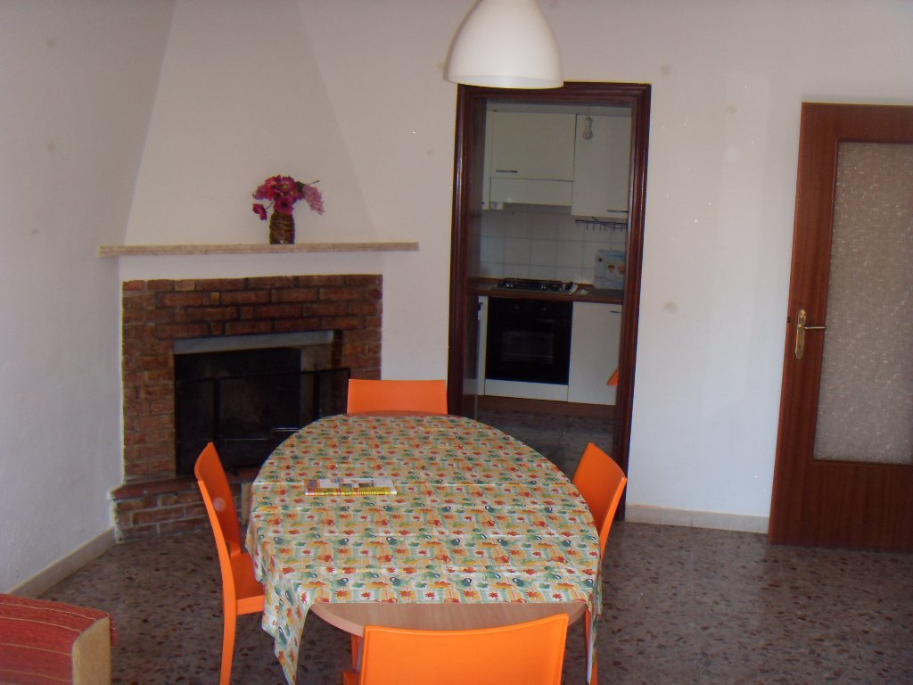 Soluzione Indipendente in affitto a San Giuliano Terme, 4 locali, prezzo € 560 | Cambio Casa.it