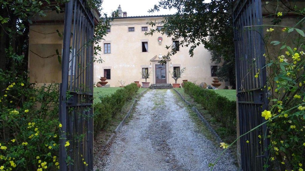 Villa in vendita a Serravalle Pistoiese, 32 locali, prezzo € 2.000.000 | Cambio Casa.it