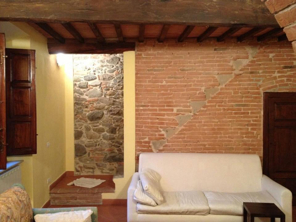 Soluzione Indipendente in affitto a Calci, 4 locali, prezzo € 530 | Cambio Casa.it